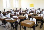 Nigeria students_in_classroom mini