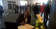 John Ejinaka (Amb,) CG Consulate of Nigeria signing the condolence register of Late Chancellor Helmut Schmidt
